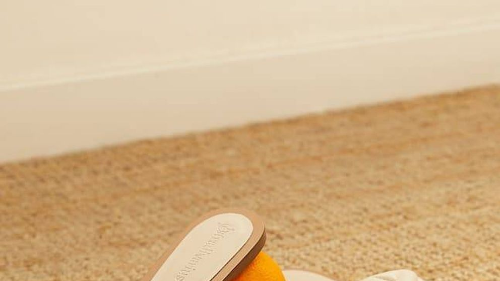 Estas sandalias planas de Stradivarius son demasiado perfectas como para no comprarlas por 20 euros