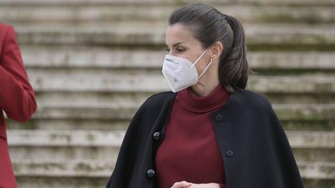 Letizia y el vestido de Massimo Dutti que ya llevó Máxima: ¿quién lo combina mejor?