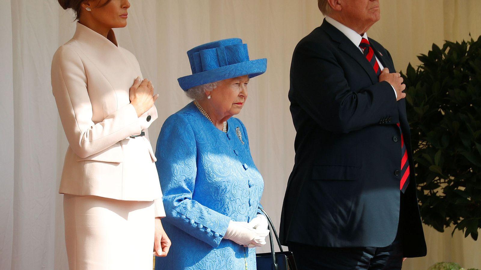 Foto: Donald y Melania Trump en su última visita a la reina Isabel II en Windsor. (Reuters)