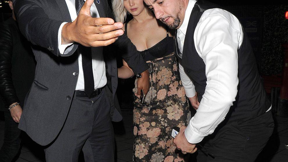 """El sensual (y polémico) baile de Jennifer Lawrence """"borracha"""" en un striptease"""
