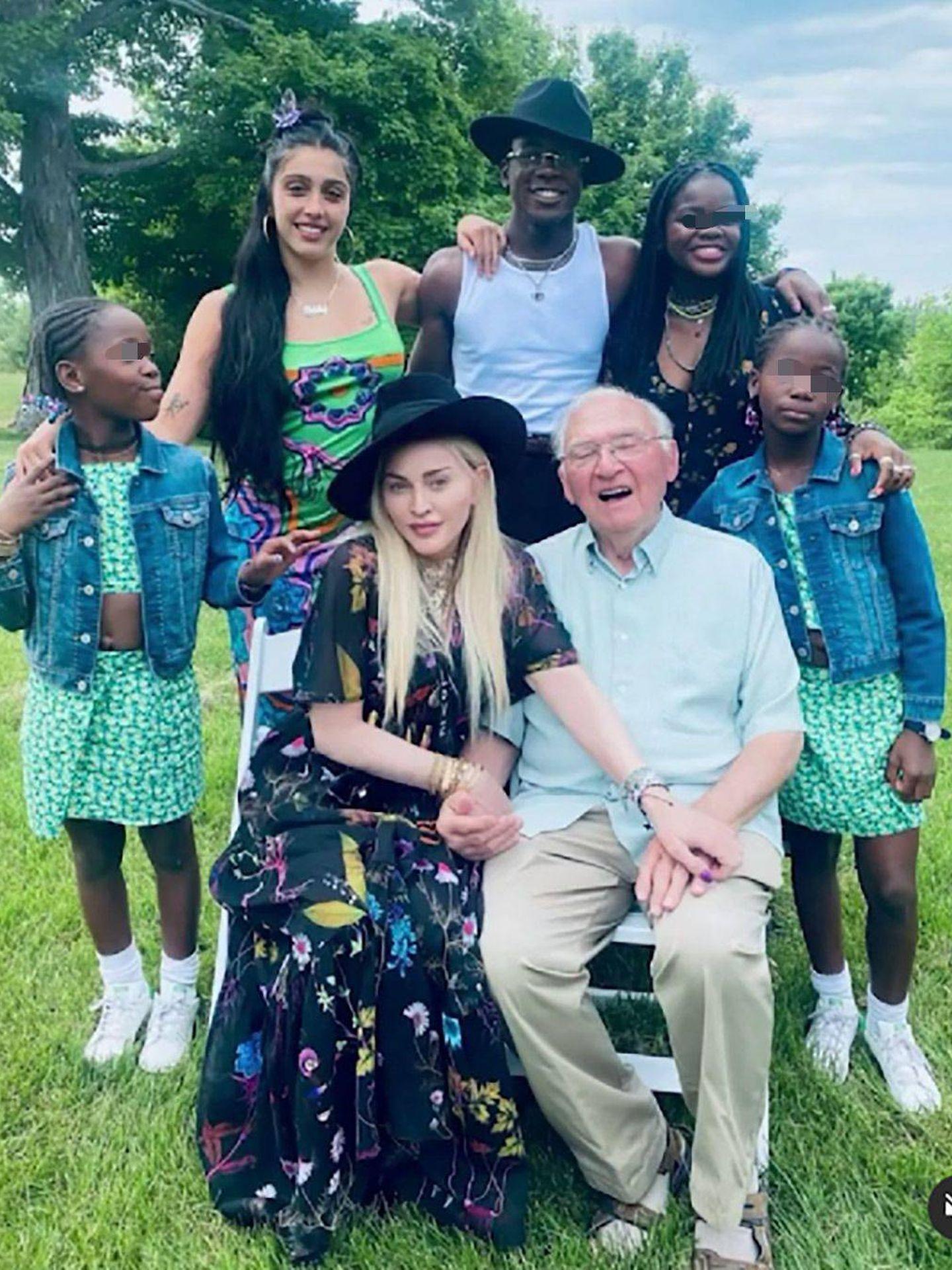 La cantante y su familia. (Instagram @madonna)
