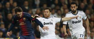 Messi, Alves, Xabi Alonso y Arbeloa abren una nueva batalla entre Real Madrid y Barcelona