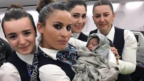 Una mujer da a luz en un vuelo a Estambul