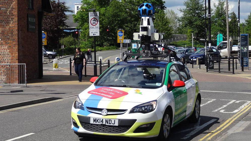 Foto: Vehículo de Google Maps fotografiando una ciudad inglesa.