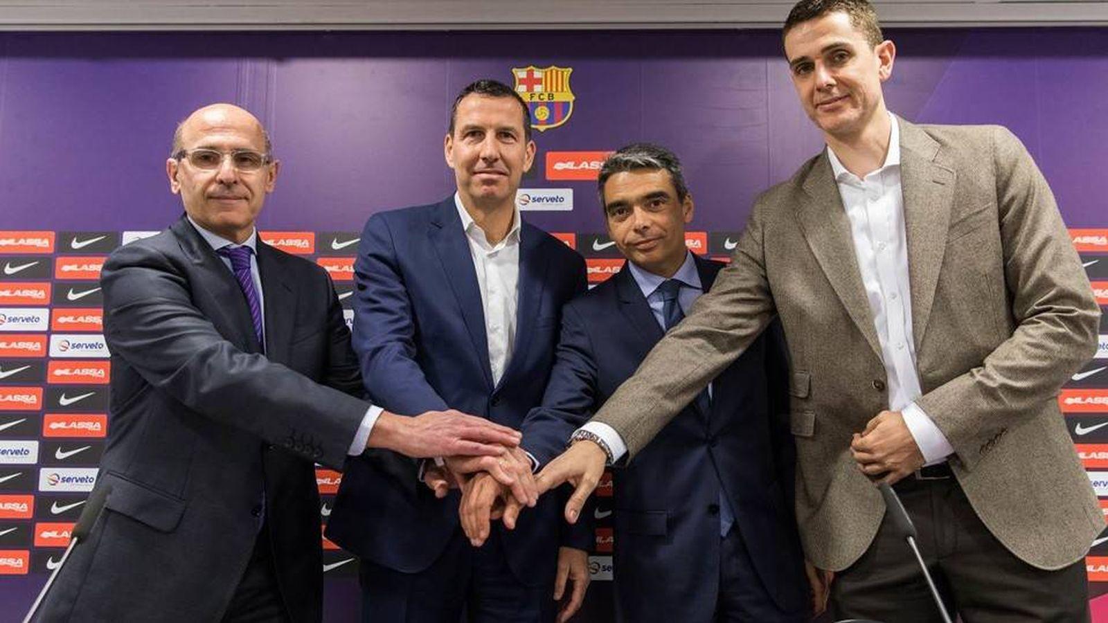 Foto: Nacho Rodríguez (segundo por la izq.) en su presentación como mánager del FC Barcelona de baloncesto (Foto: Germán Parga/FC Barcelona)