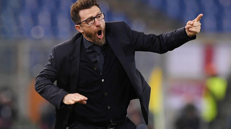 Eusebio di Francesco, técnico de la Roma, da indicaciones a sus jugadores. (Reuters)