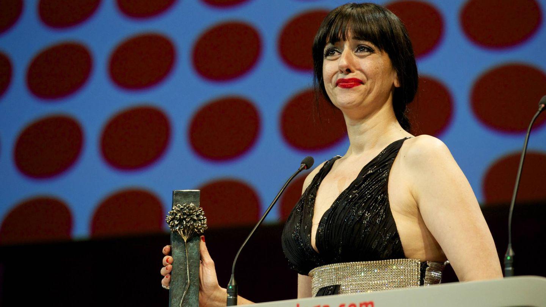 Yolanda Ramos, recogiendo el galardón a mejor actriz por 'Carmina y amén' en el Festival de Cine de Málaga. (Getty)