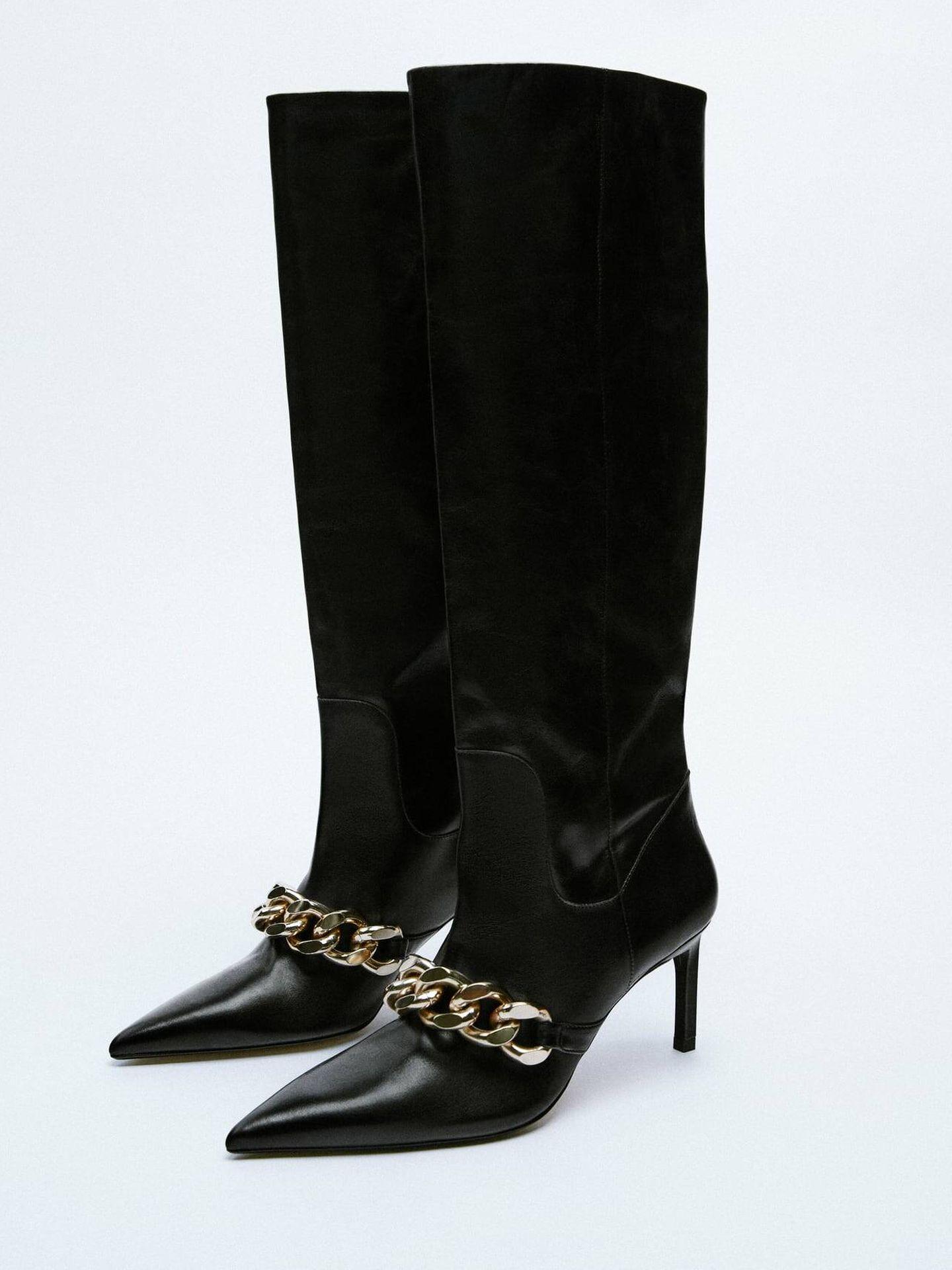 Botas altas de tacón de Zara. (Cortesía)