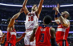 Pau Gasol y Mirotic brillan en su debut con los Bulls pese a la derrota