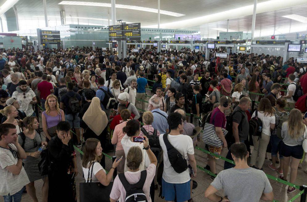 Foto: Los sindicatos temen que este verano se repita otro conflicto como el de Barcelona-El Prat. (EFE)
