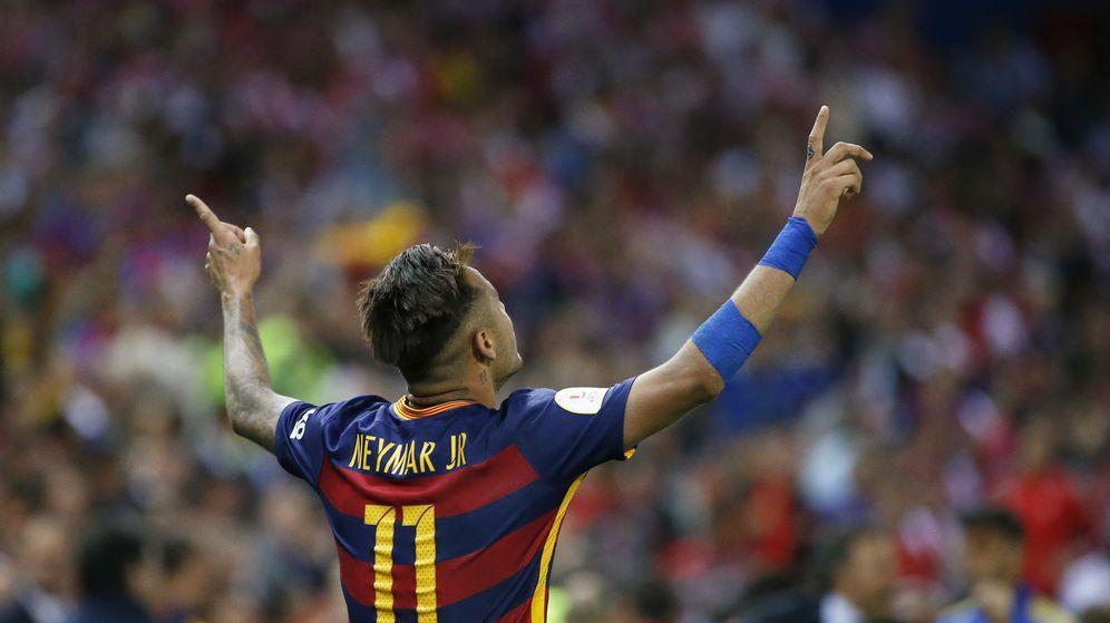 Foto: Neymar celebra su último gol con el Barça, en la final de Copa contra el Sevilla. (EFE)