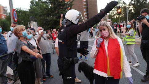 La policía despliega 200 antidisturbios ante la marcha de Vox y otra comunista en Madrid