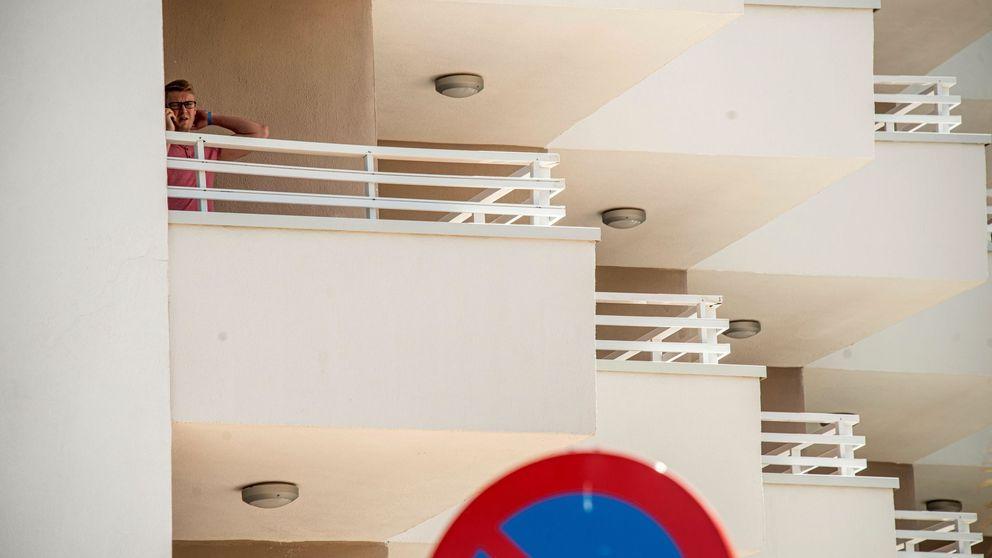 La novia de un británico que cayó de un balcón arremete contra los hoteles españoles