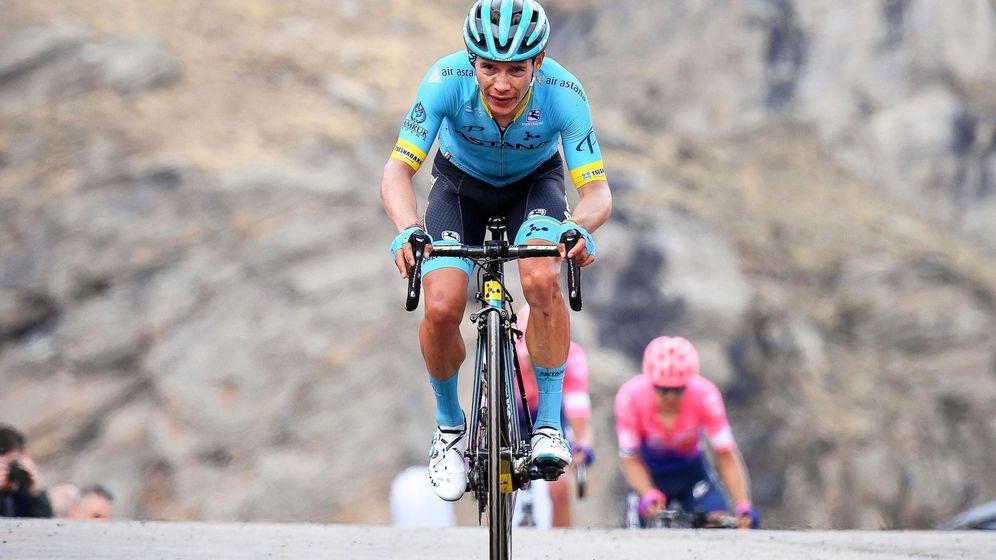 Foto: MA López, del conjunto Astana, durante el pasado Giro de Italia. (EFE)