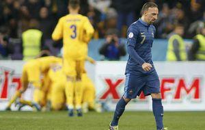 Ribery parece vulgar en una Francia que se tambalea frenta a Ucrania