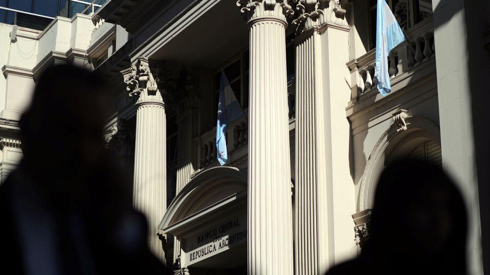 El peso argentino se hunde tras el fiasco de Macri: el mercado ya apuesta por el 'default'