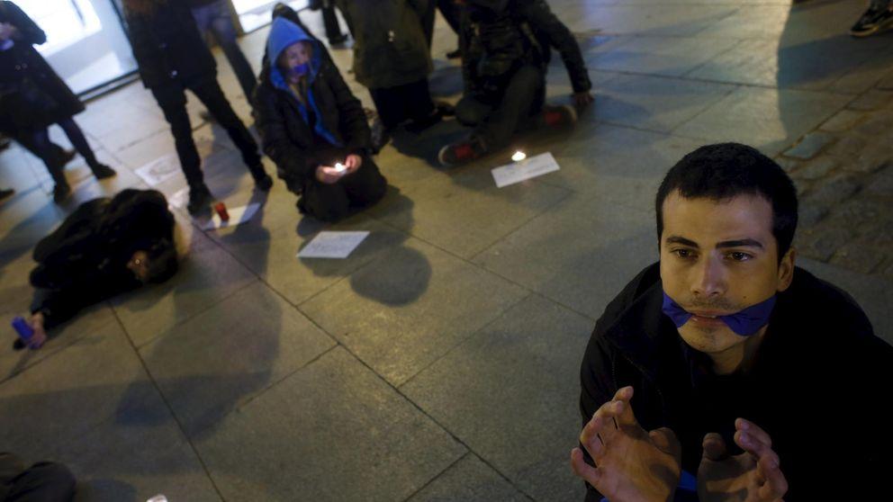 El Constitucional admite a trámite el recurso de la oposición contra la 'ley mordaza'