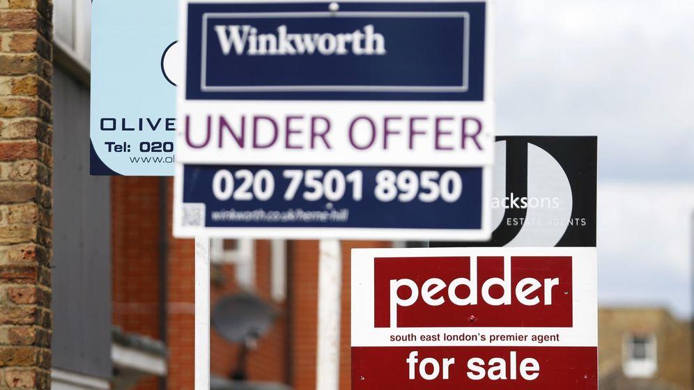 Foto: Imagen de archivo de anuncios del mercado inmobiliario de Londres. (Reuters)
