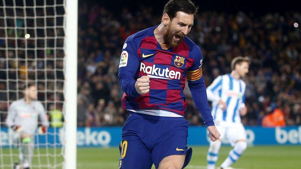 Foto: La celebración de Leo Messi tras marcar de penalti el gol de la victoria del Barcelona ante la Real Sociedad. (EFE)