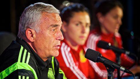 La selección femenina llama al despacho de Villar tirando su puerta