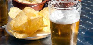 Post de Así te engañan algunos bares: el truco de la cerveza grande y pequeña para ganar dinero