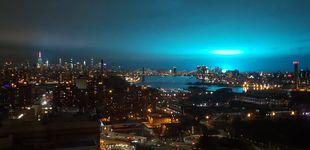 Post de La explosión de un transformador tiñe el cielo de Nueva York de ciencia ficción