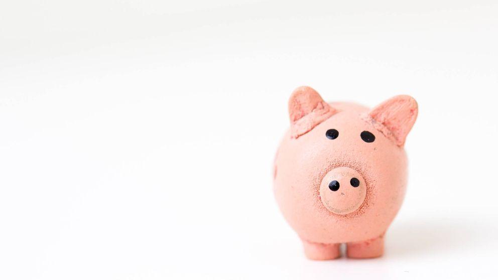 ¿Tu banco te cobra por la tarjeta de débito? Así puedes evitar pagar comisiones