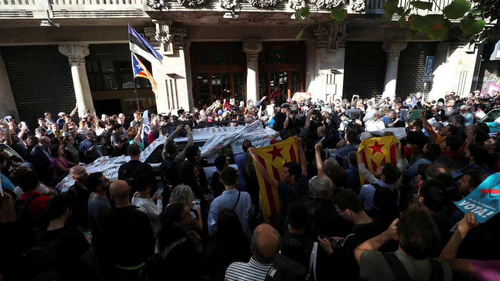Foto: Operación de la Guardia Civil en Cataluña. (Reuters)