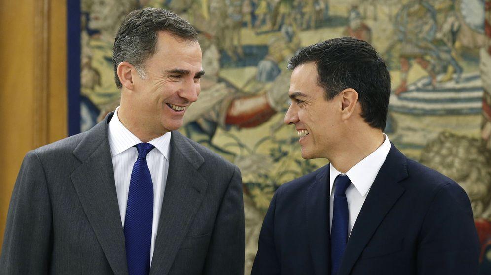 Foto: El Rey recibe a Pedro Sánchez durante la primera ronda de consultas. (EFE)