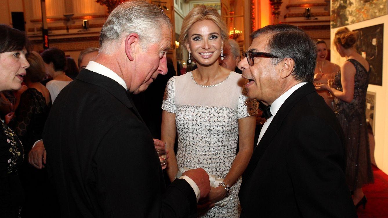 Foto: Corinna Zu Sayn-Wittgenstein con el príncipe Carlos y Bob Colacello (Getty Images)