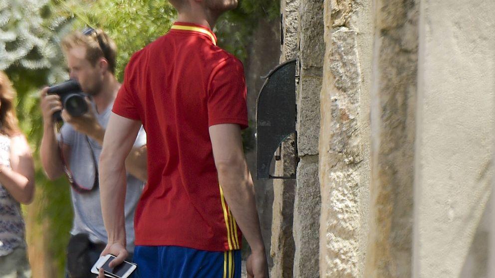 La selección vuelve a España... y De Gea visita a Edurne nada más aterrizar