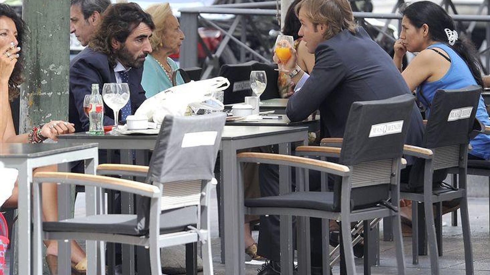 Foto: Los empresarios Javier Hidalgo y Rosauro Varo durante una reunión de negocios. (Gtres)