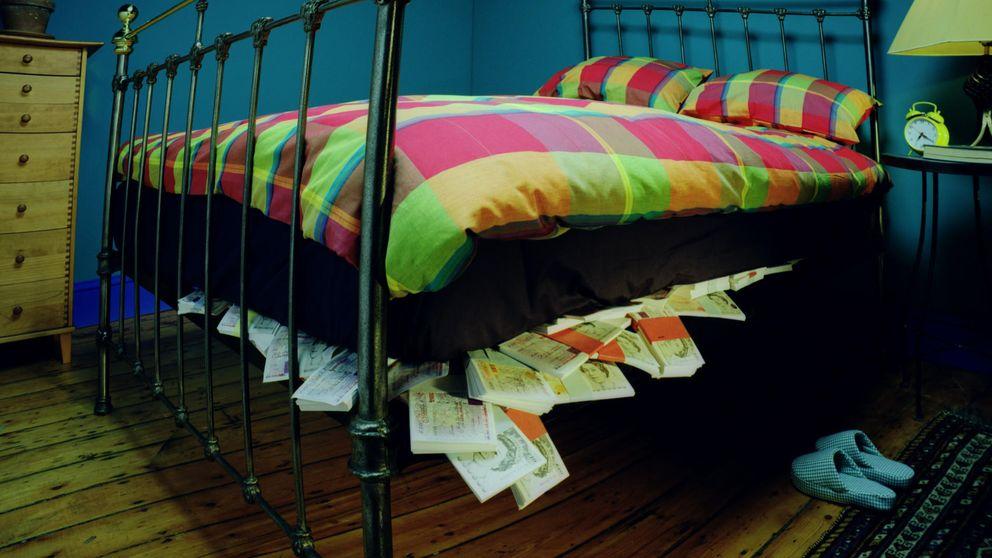 El ocaso del colchón: la inversión en activos de riesgo supera a los depósitos