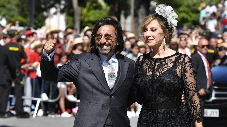 Con su mujer, Mariola Orellana. (Cordon Press)
