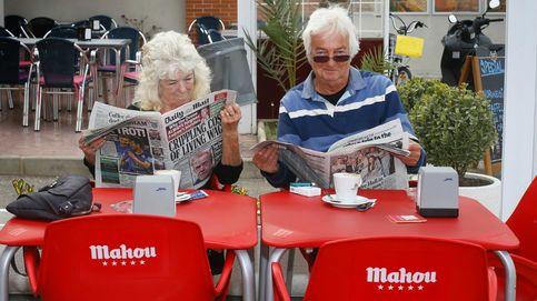 Dos ingleses sentados en una terraza. (A.V.)