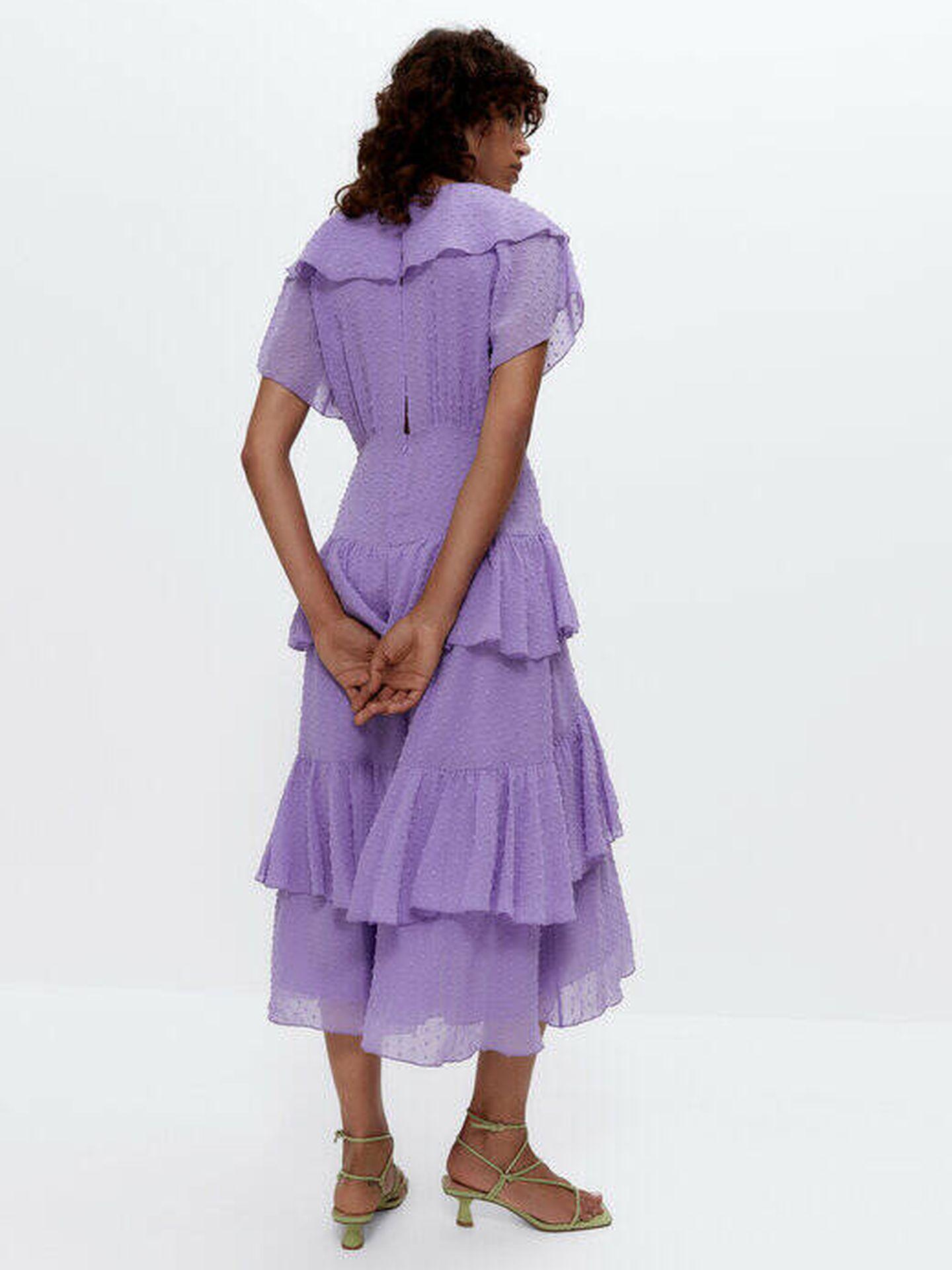 Vestido de invitada de Uterqüe. (Cortesía)