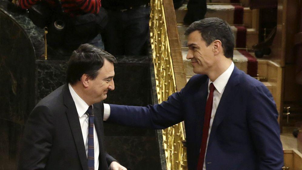 [XIII Legislatura] 2.ª Votación de la investidura de Pedro Sánchez Pérez-Castejón como Presidente del Gobierno. El-psoe-corteja-al-pnv-para-que-encabece-el-dialogo-territorial-y-presida-la-comision