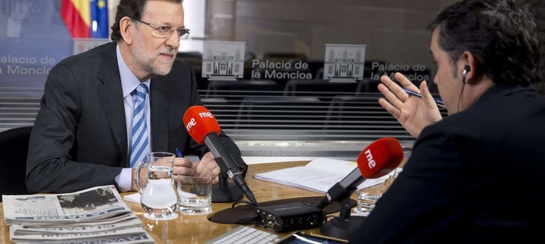 Foto: El presidente del Gobierno, Mariano Rajoy, durante la entrevista (Efe)