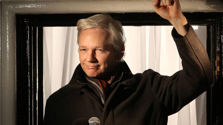 Habla la mujer virtual de Assange, con la que ha tenido dos hijos en autoconfinamiento