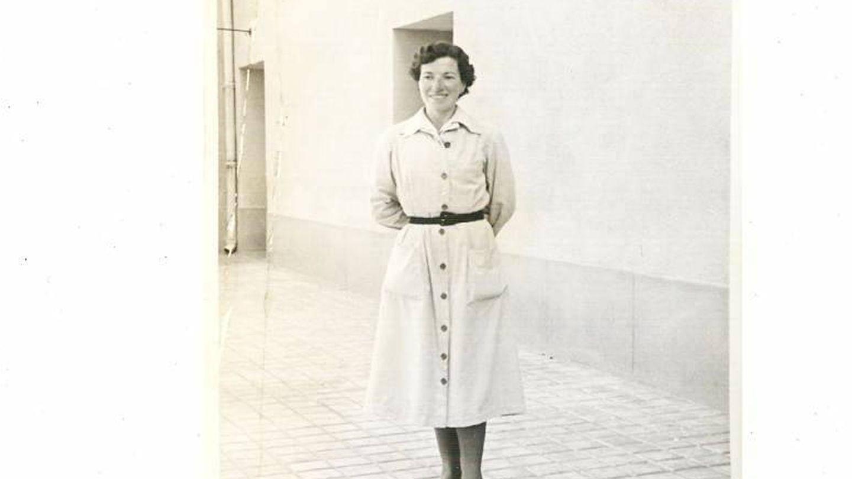 Manolita del Arco en Alcalá de Henares, 20 de abril (su cumpleaños) de 1957 | Biblioteca Histórica UCM