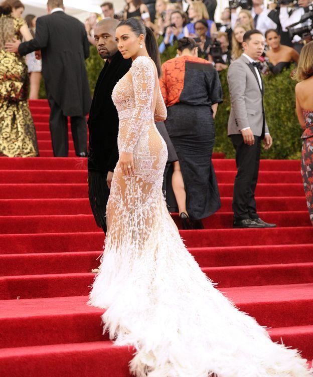 Foto: Kim Kardashian junto a su marido durante la gala del Metropolitan Museum de Nueva York el pasado mayo (Gtres)