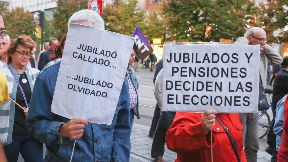 Foto: Pensionistas en una manifestación (Efe)