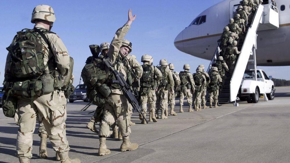 Foto: Fotografía de archivo de la espedida de las tropas que viajaban a Kuwait (Reuters)