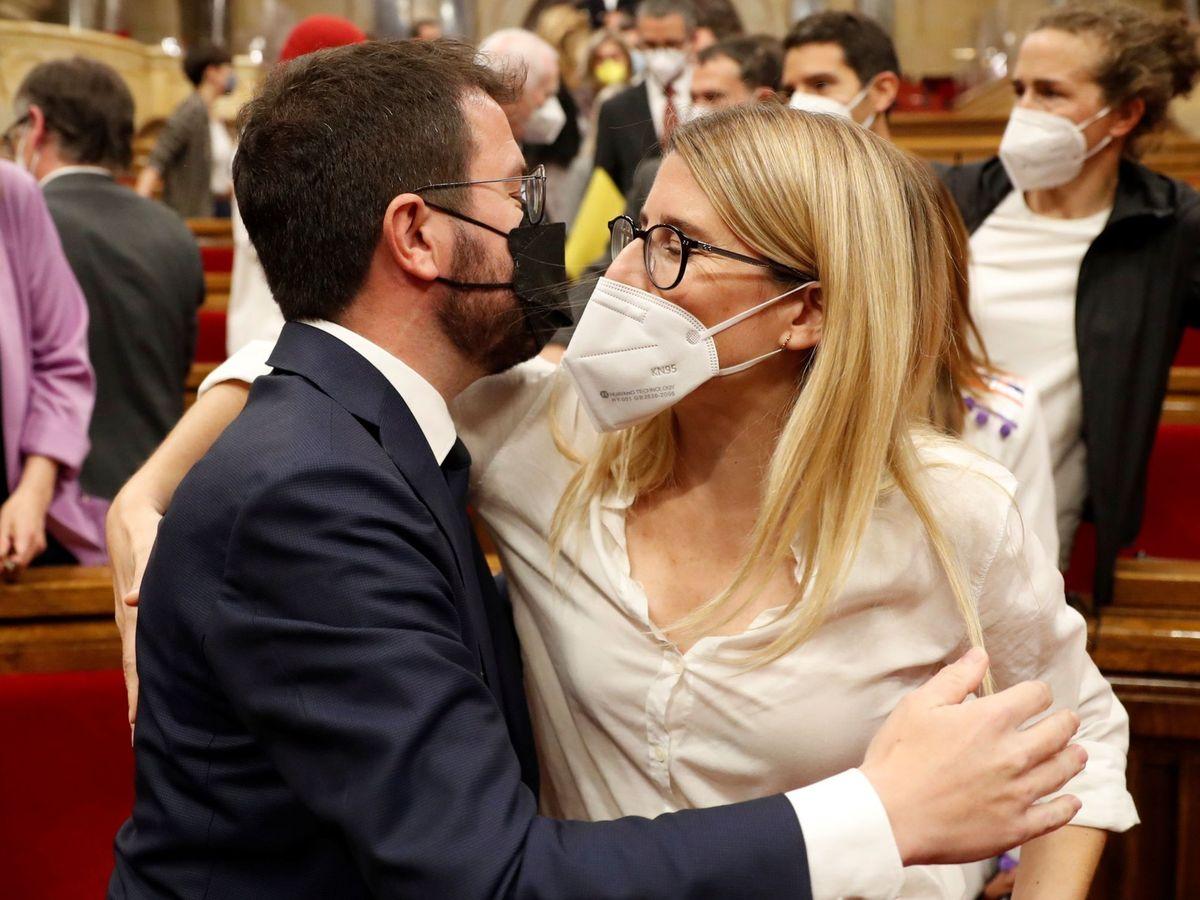 Foto: El presidente de la Generalitat, Pere Aragonès, con Elsa Artadi. (EFE)