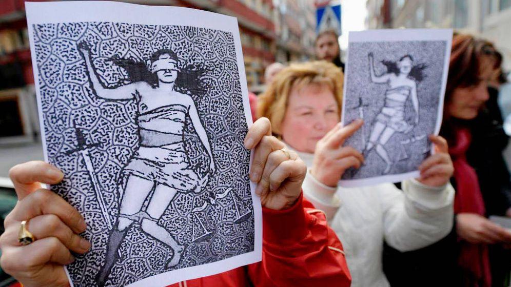 Foto: Protesta contra la sentencia de La Manada. (EFE)