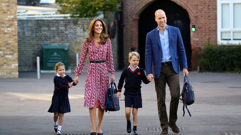 Los duques de Cambridge, el primer día de colegio de sus hijos. (Reuters)