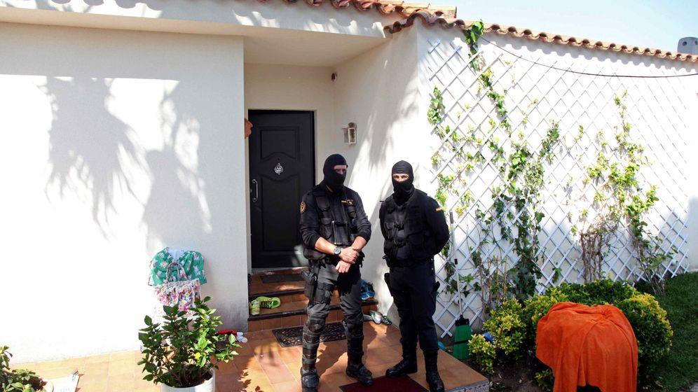 Foto: Detenidos miembros de la mafia rusa en Tarragona. (Efe)