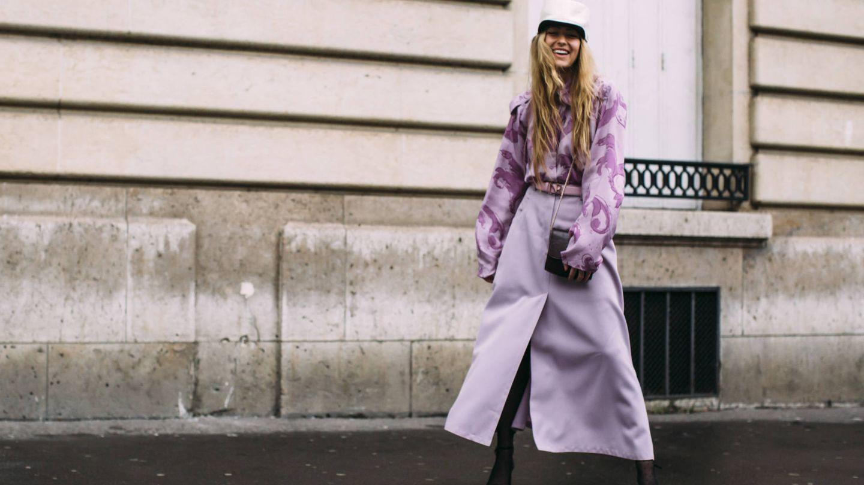 El lila crea outfits llenos de personalidad. (Imaxtree)