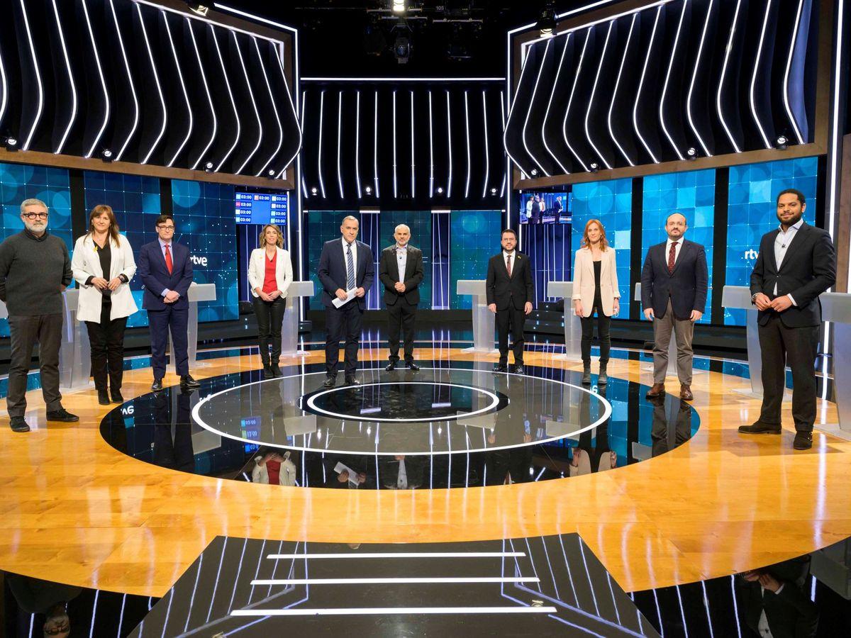 Foto: Los nueve principales candidatos a presidir la Generalitat, en el debate de RTVE. (EFE)
