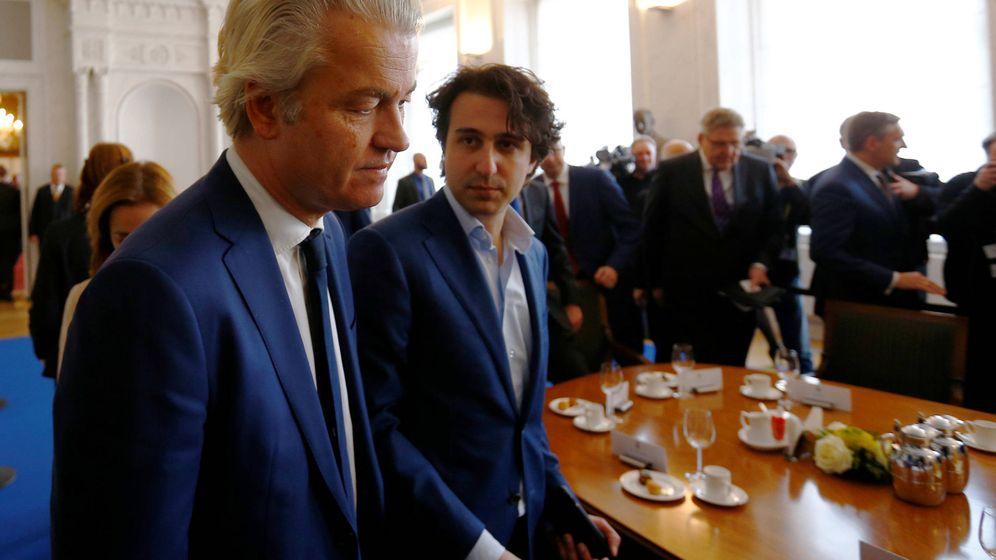 Foto: Geert Wilders y el líder de Los Verdes, Jesse Klaver, durante una reunión en el Parlamento tras las elecciones. (Reuters).